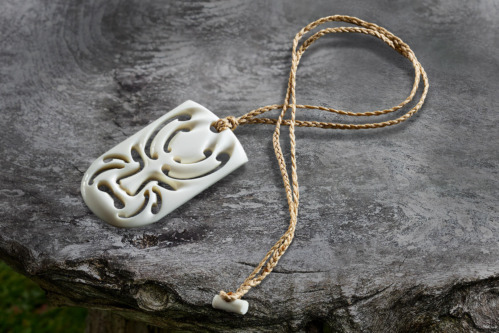 Huna Kanohi (Mask Pendant)